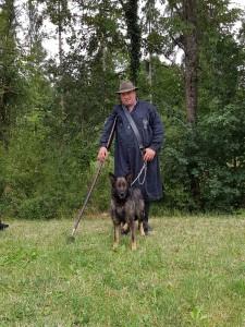 Gratulation an Michael Thonnet mit seiner Bonnie vom Schäferhut